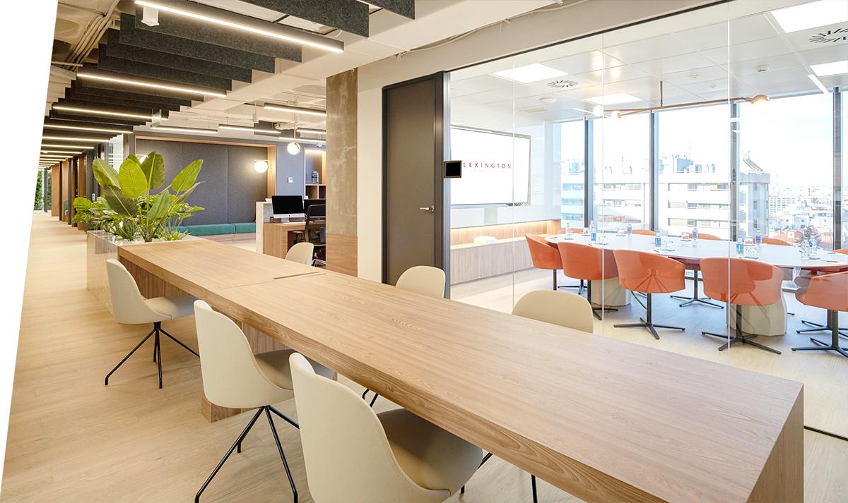 Espacio de trabajo en el centro de negocios Príncipe de Vergara en Madrid